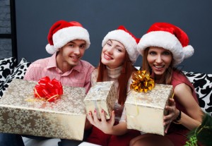 6125749-510794-christmas-celebration-friends-with-christmas-gifts-new-year-party