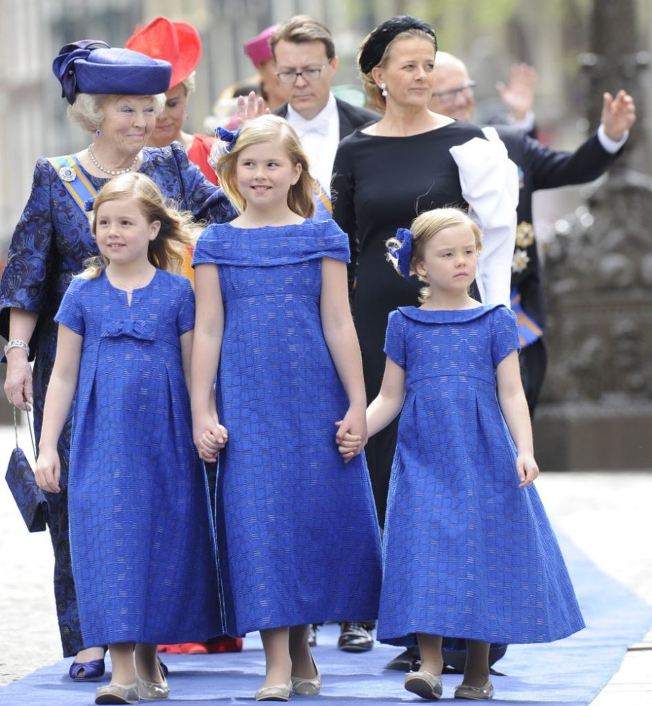 Princess Beatrix (L), her grand daughter