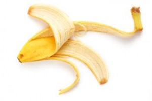 7_banana-peel-for-dry-and-acne-prone-skin