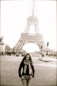 Η Ολυμπία Κρασαγάκη στο αγαπημένο της Παρίσι.