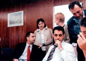 Το 2004 μαζί με συναδέλφους στις Βρυξέλλες..ανάμεσά τους ο Ανδρέας Παναγόπουλος και ο Στρατής Λιαρέλης