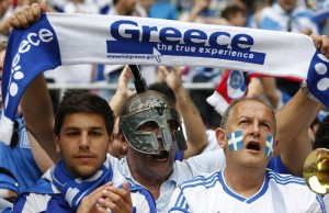 2842-greece-soccer-fans-cheers-as-wait-for-start-of-euro-2012-soccer-m2