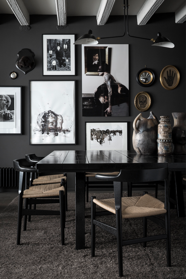 79ideas_dark_living_area