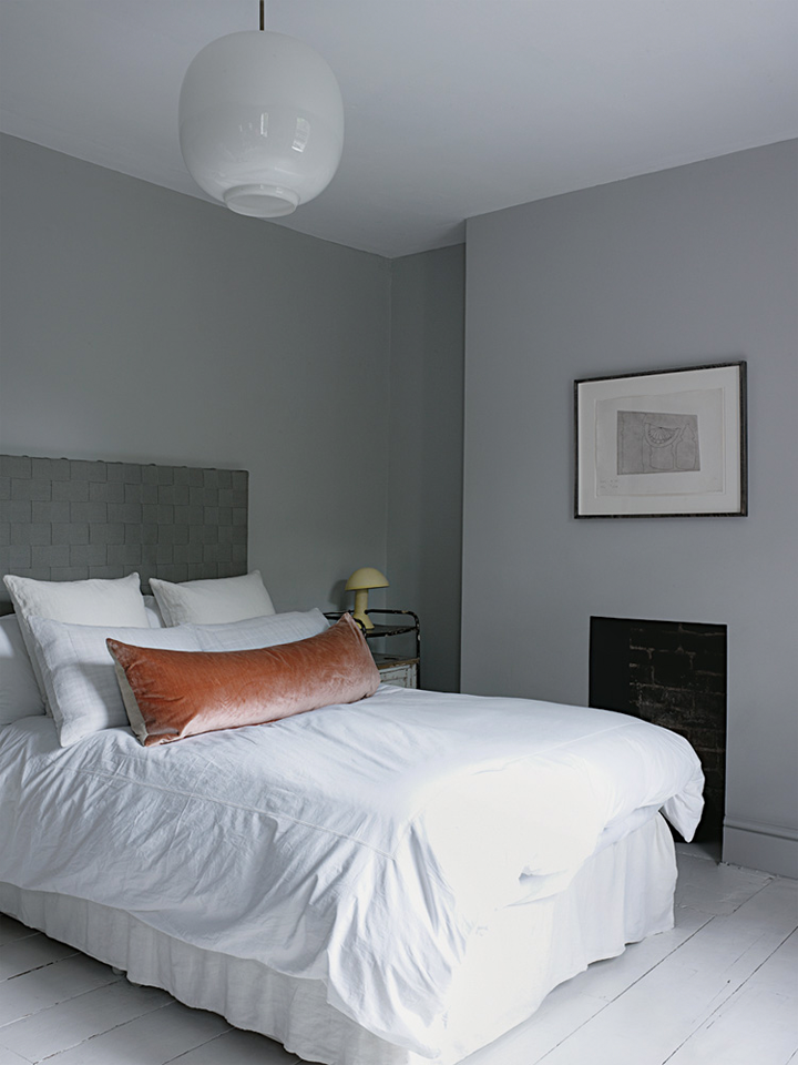 79ideas-cozy-and-stylish-master-bedroom-grey-london-house