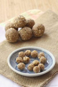 Cinnamon-Caramel-Apple-Energy-Balls-1
