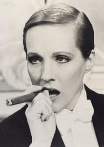 Julie Andrews - Victor Victoria 1982