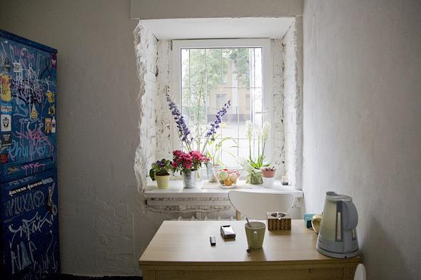 kitchen-small-apartmenr-moscow