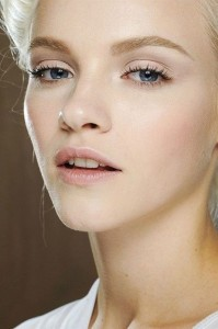 20-gorgeous-nude-makeup-ideas-to-look-great-on-your-wedding-day-5