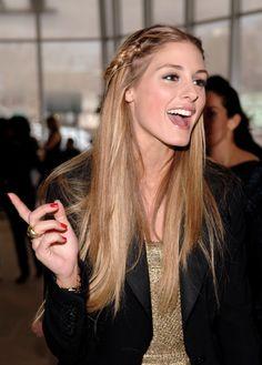 Sleek hair with braid