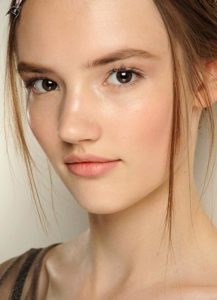 nude-makeup-look-valentino-fall-2013-couture