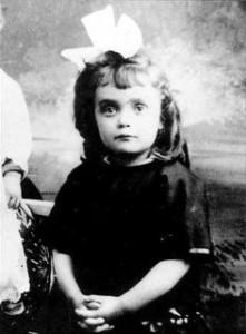Édith Piaf  - Παιδική Ηλικία