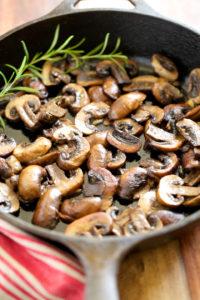 Garlic-Butter-Sauteed-Mushrooms-GI-365-4