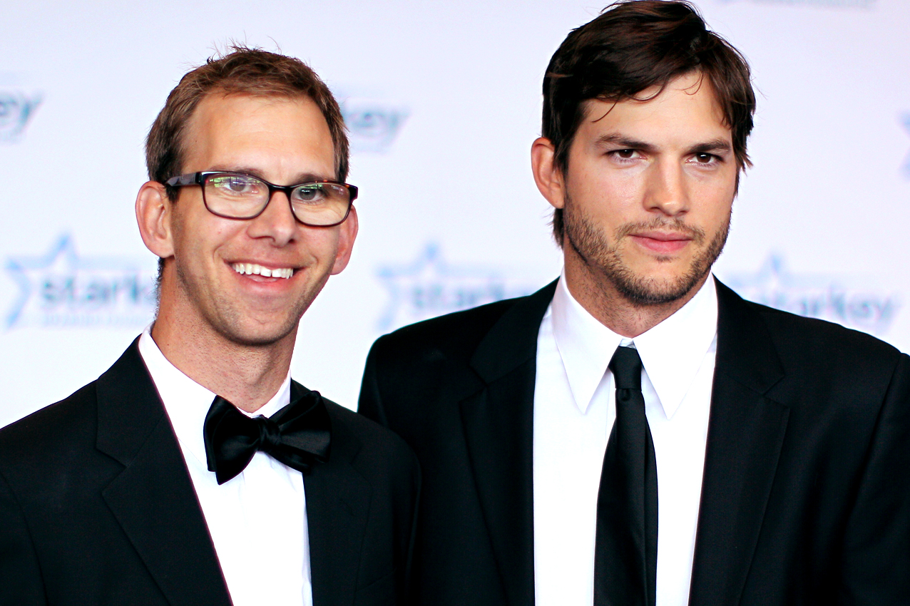 ashton-kutcher-michael-kutcher-getty-100215