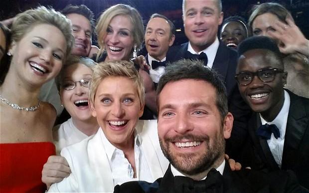 Ellen DeGeneres - Oscars 2014 selfie