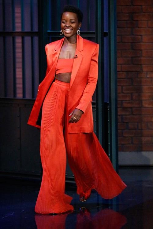 Lupita-Nyongo-Late-Night-Seth-Meyers-Vogue-15March16-Getty_b_592x888