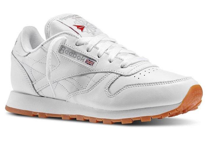 Τα sneakersγια τα οποία μιλάμε δεν είναι άλλα από τα Leather Classics της  Reebok 6026d0e752e