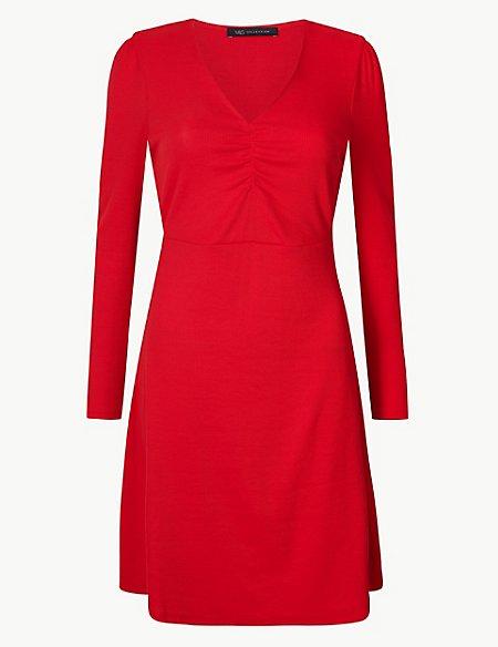 Οπότε απολαμβάνουμε τα spring entries των Marks   Spencer κι επιλέγουμε ένα  μεσάτο φορεματάκι! 1da33203389
